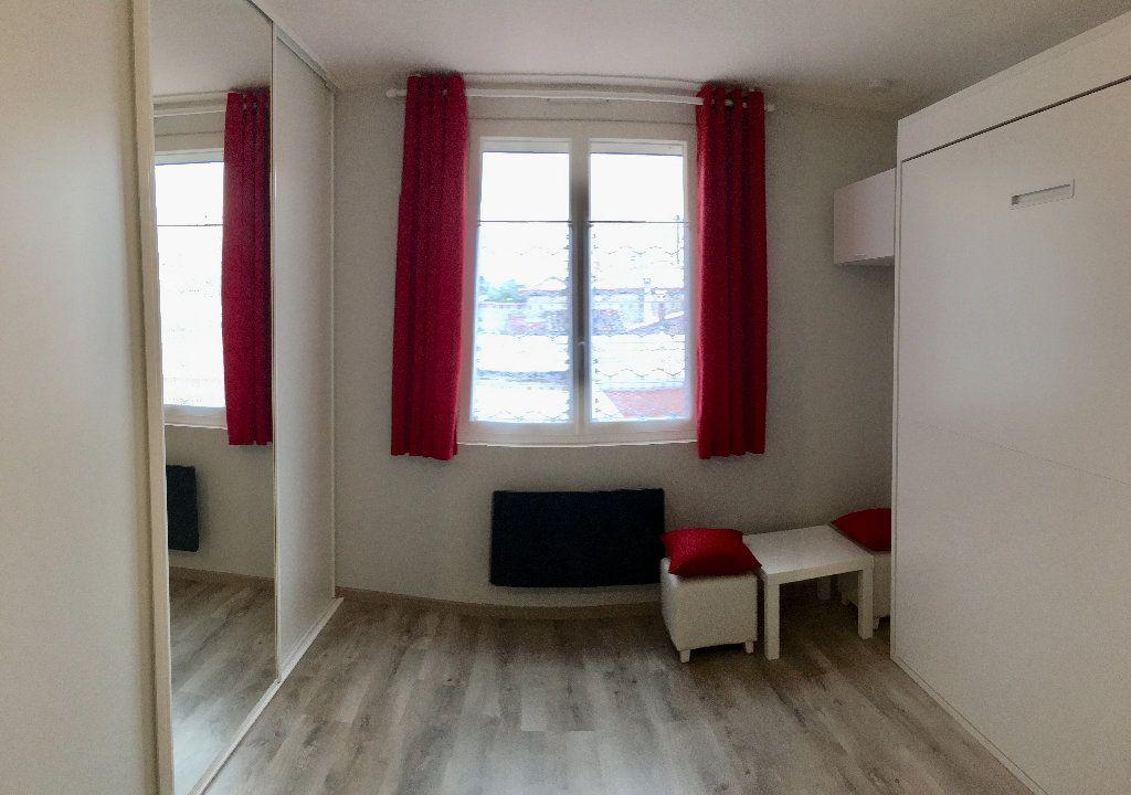 Appartement à louer 1 26m2 à Toulouse vignette-4
