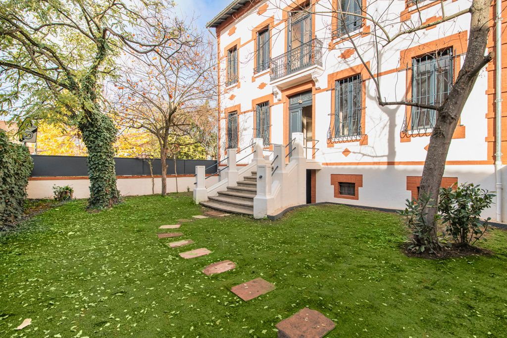 Appartement à vendre 5 126.91m2 à Toulouse vignette-2