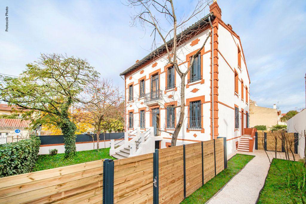 Appartement à vendre 5 126.91m2 à Toulouse vignette-3