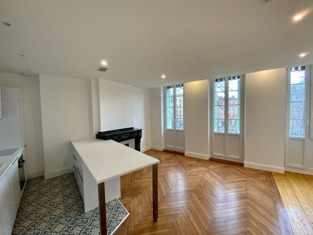 Appartement à vendre 2 58m2 à Toulouse vignette-1