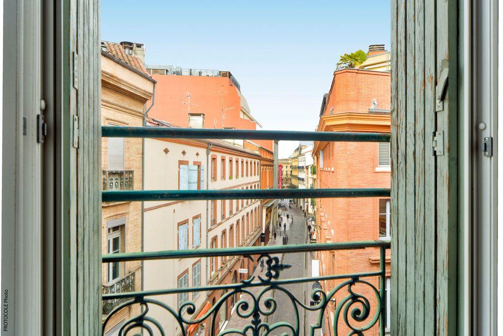 Appartement à vendre 4 113.95m2 à Toulouse vignette-2