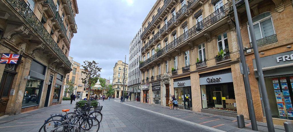 Appartement à vendre 4 106.7m2 à Toulouse vignette-2