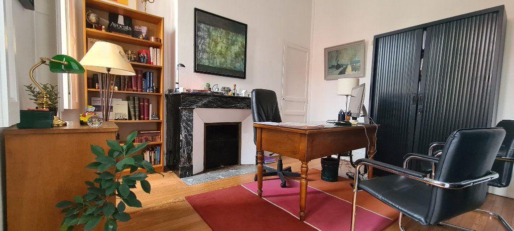 Appartement à vendre 4 106.7m2 à Toulouse vignette-5