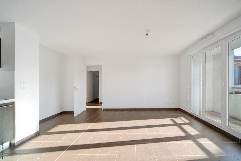 Appartement à louer 3 52.25m2 à Toulouse vignette-1