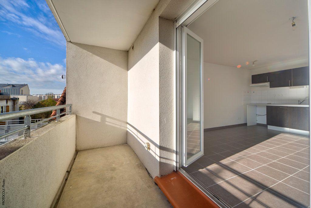Appartement à louer 3 52.25m2 à Toulouse vignette-5