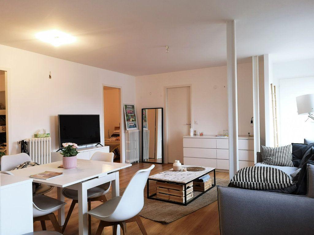 Appartement à louer 3 63.25m2 à Toulouse vignette-4