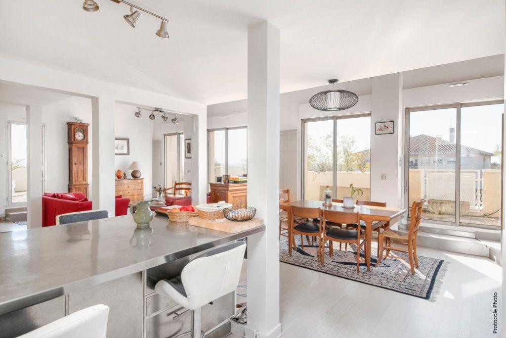 Appartement à vendre 6 200m2 à Ramonville-Saint-Agne vignette-1