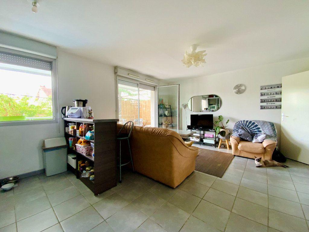 Appartement à vendre 3 58.8m2 à Toulouse vignette-2