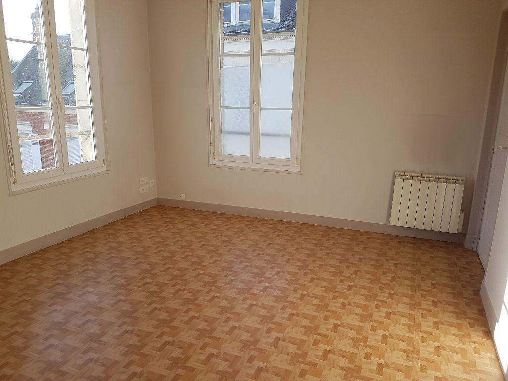 Appartement à louer 2 33.22m2 à Clermont vignette-1