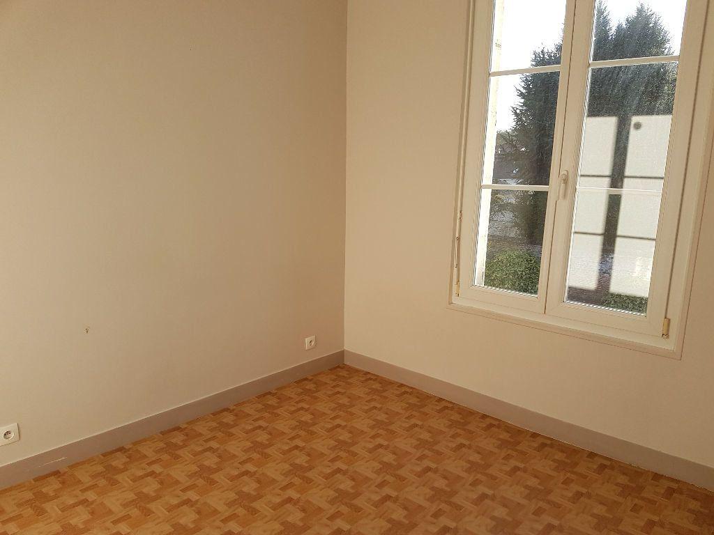 Appartement à louer 2 33.22m2 à Clermont vignette-3