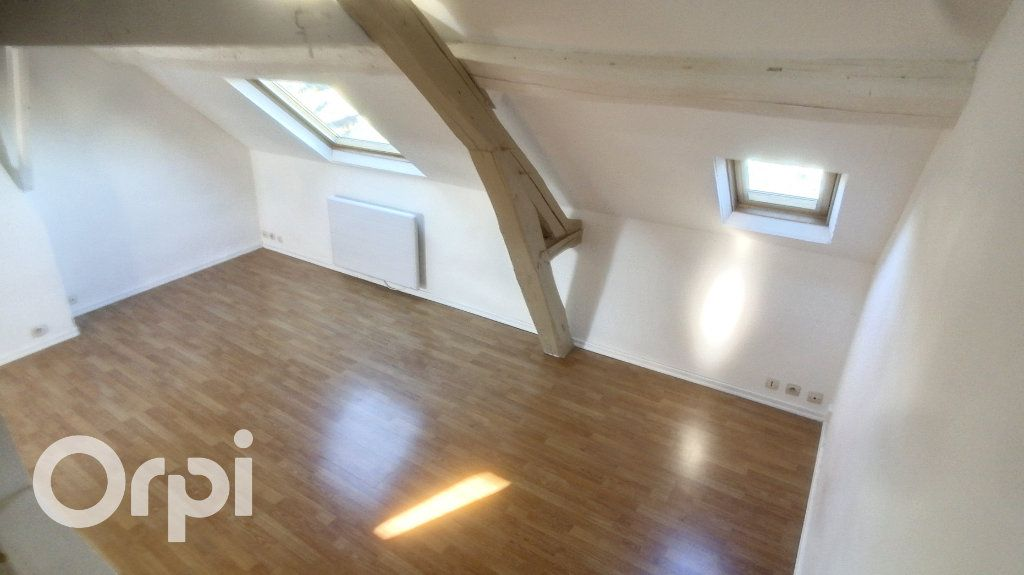 Appartement à louer 2 26.02m2 à Clermont vignette-1