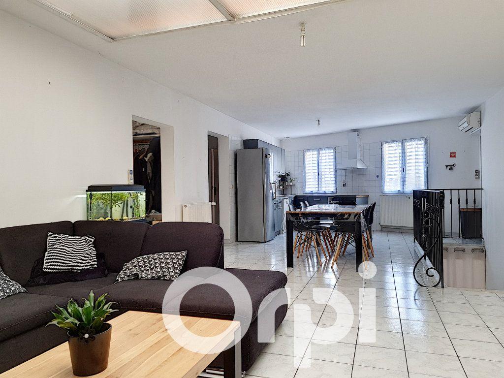 Appartement à vendre 5 138.76m2 à Clermont vignette-1