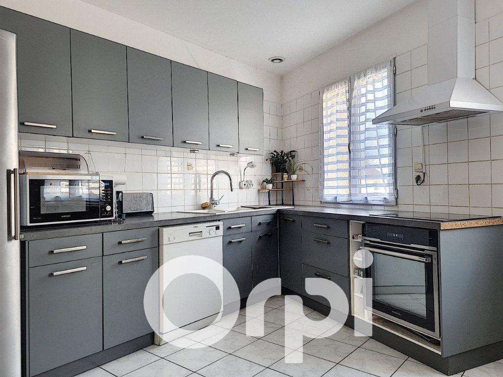 Appartement à vendre 5 138.76m2 à Clermont vignette-2