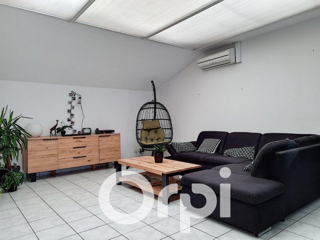 Appartement à vendre 5 138.76m2 à Clermont vignette-3