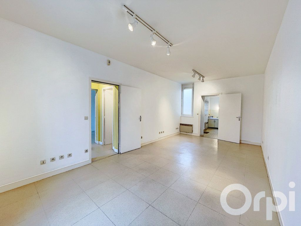 Appartement à louer 2 62m2 à Clermont vignette-1