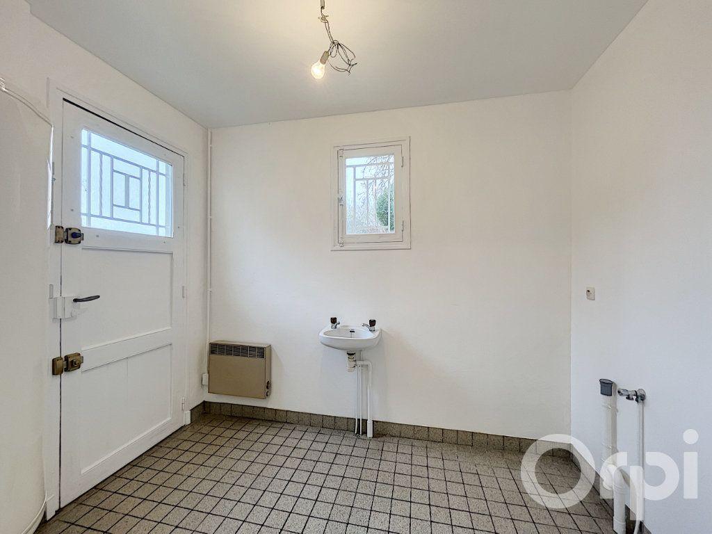 Appartement à louer 2 62m2 à Clermont vignette-5