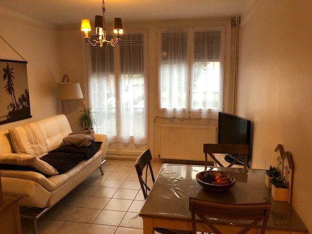 Appartement à louer 3 49.89m2 à Beauvais vignette-1