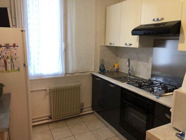 Appartement à louer 3 49.89m2 à Beauvais vignette-4