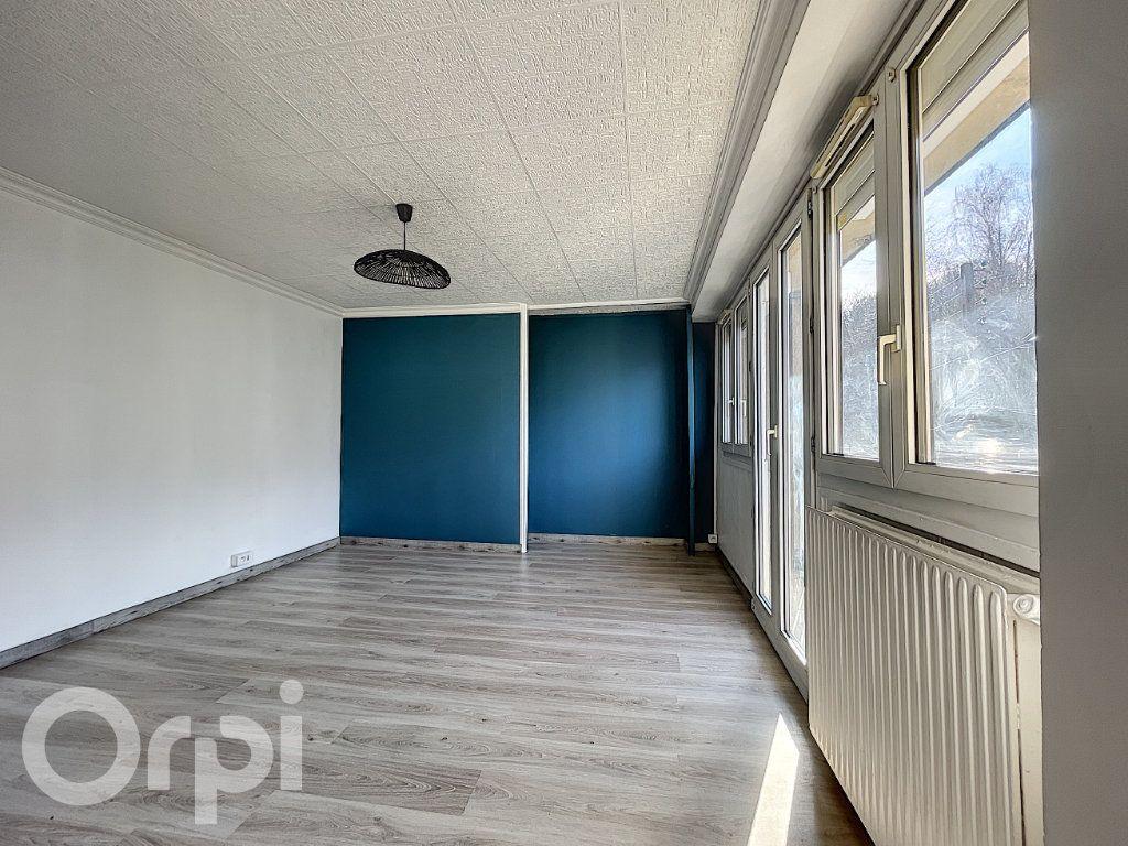Appartement à vendre 1 27m2 à Pont-Sainte-Maxence vignette-2