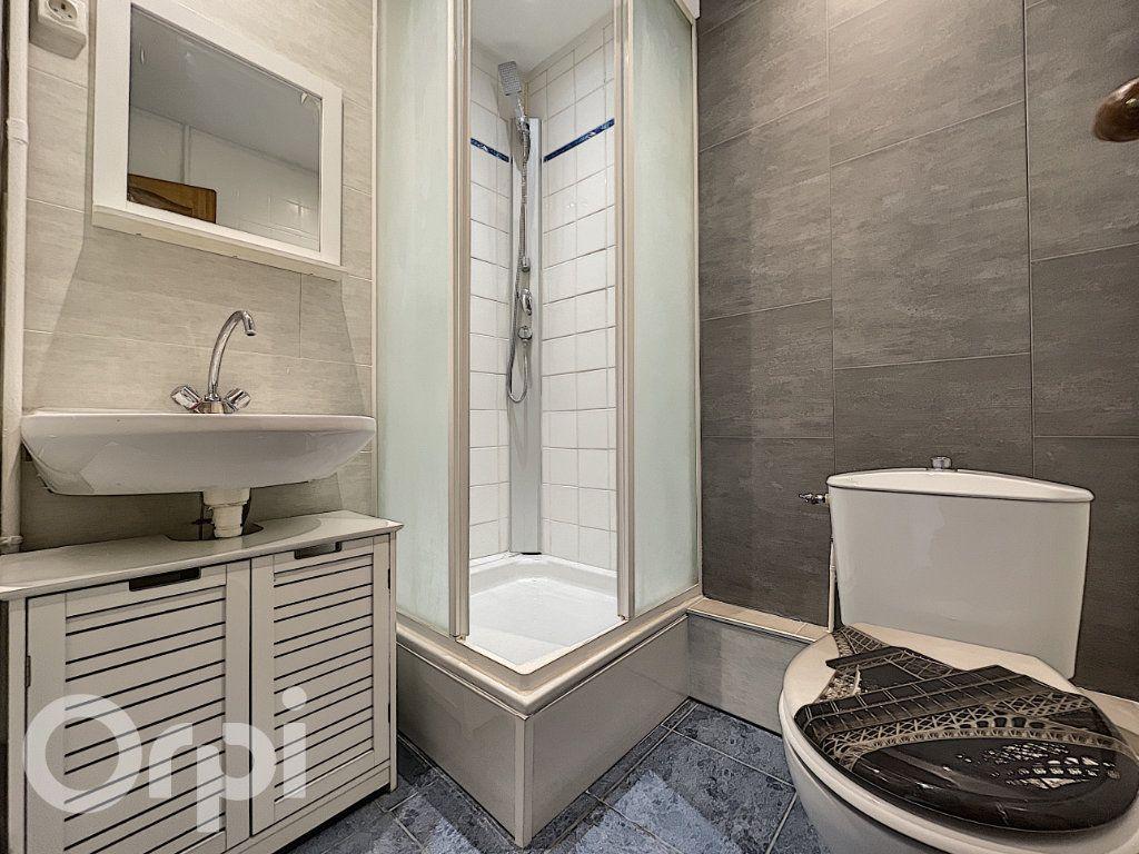 Appartement à vendre 1 27m2 à Pont-Sainte-Maxence vignette-3