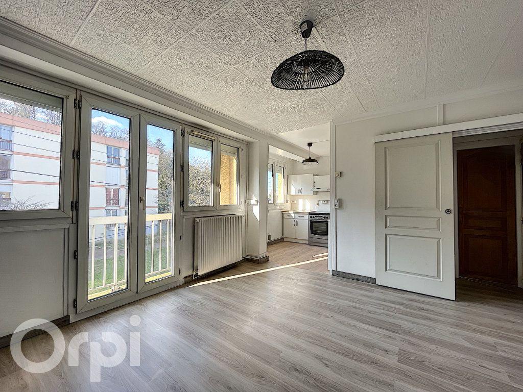 Appartement à vendre 1 27m2 à Pont-Sainte-Maxence vignette-4