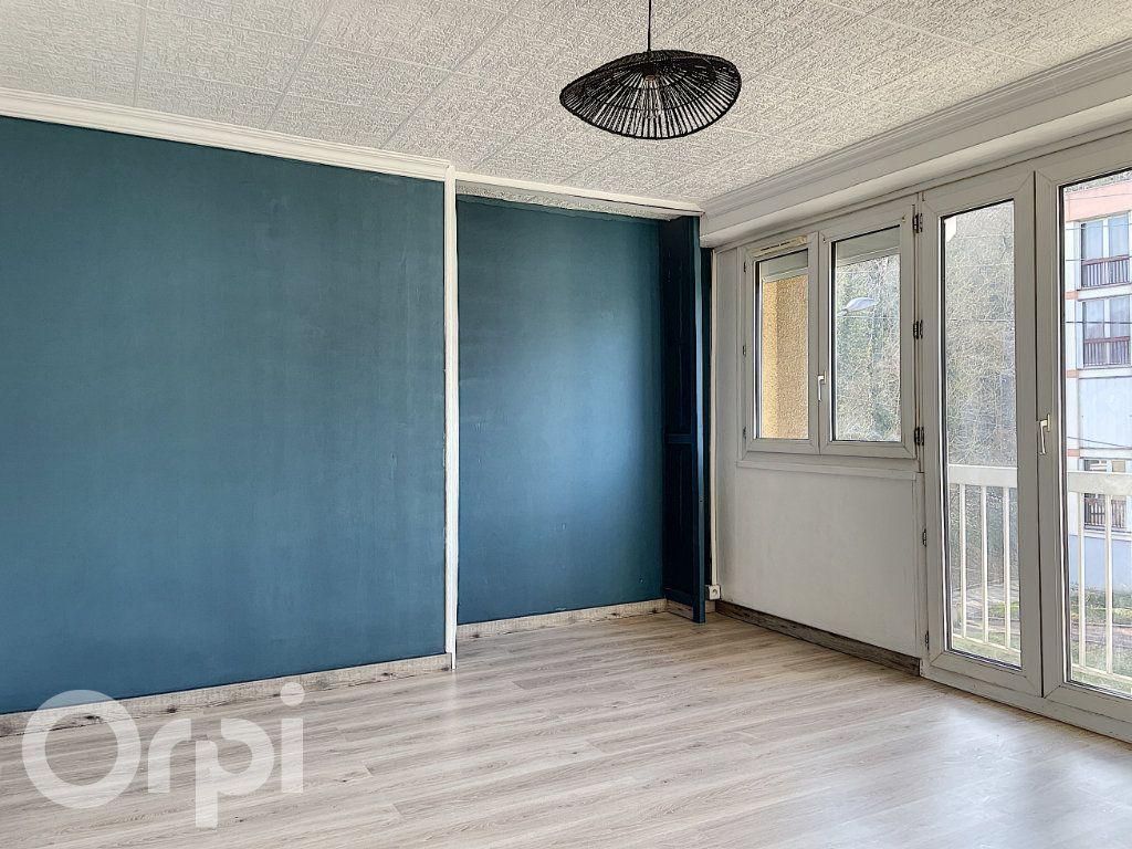 Appartement à vendre 1 27m2 à Pont-Sainte-Maxence vignette-5