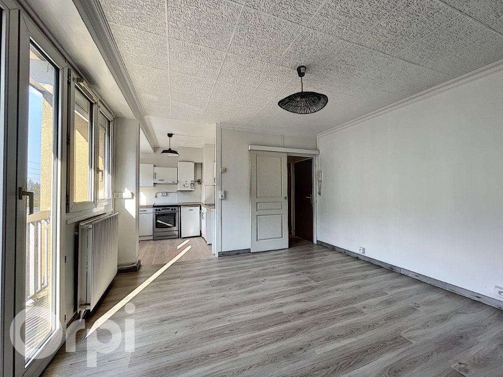 Appartement à vendre 1 27m2 à Pont-Sainte-Maxence vignette-6
