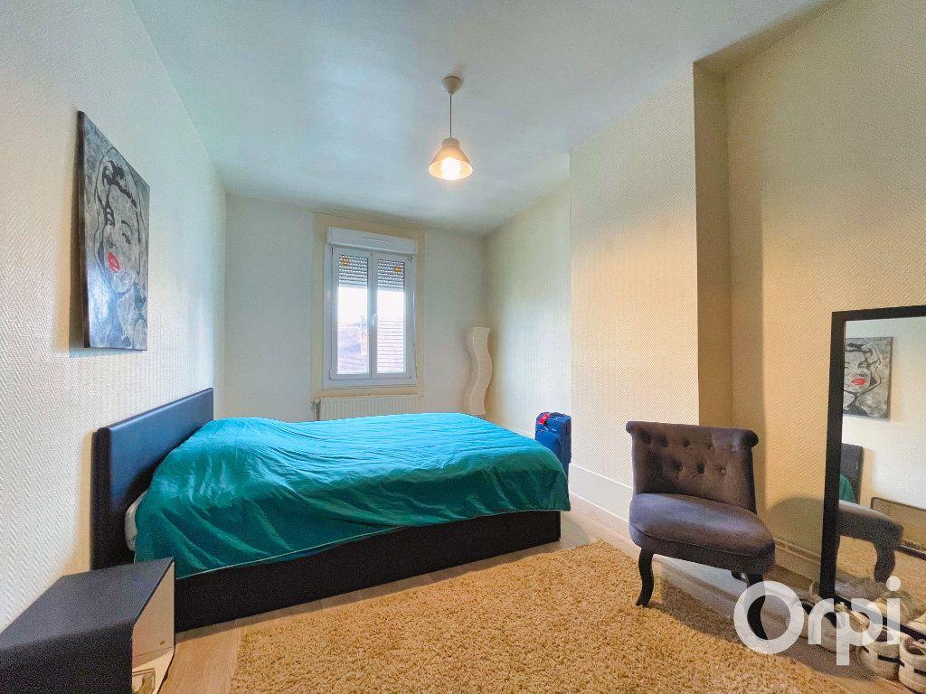 Appartement à louer 3 71.82m2 à Clermont vignette-6