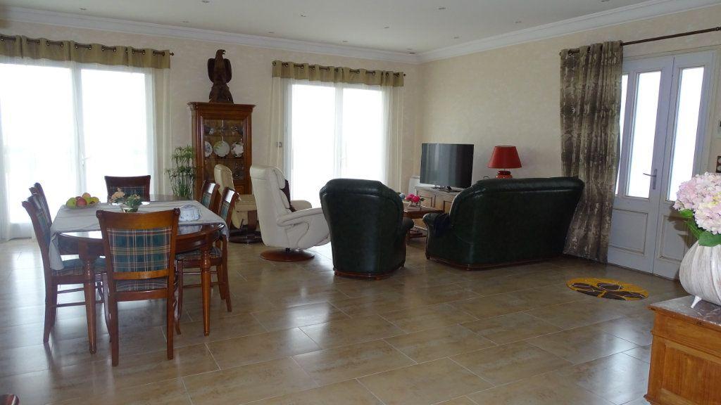 Maison à vendre 8 210m2 à Châtelaillon-Plage vignette-3