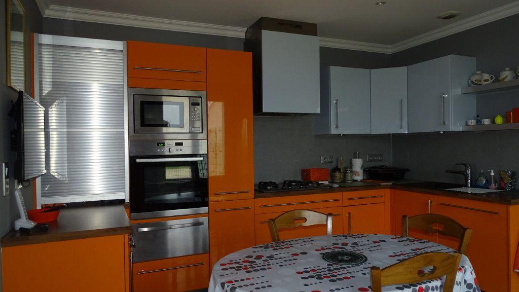 Maison à vendre 8 210m2 à Châtelaillon-Plage vignette-6