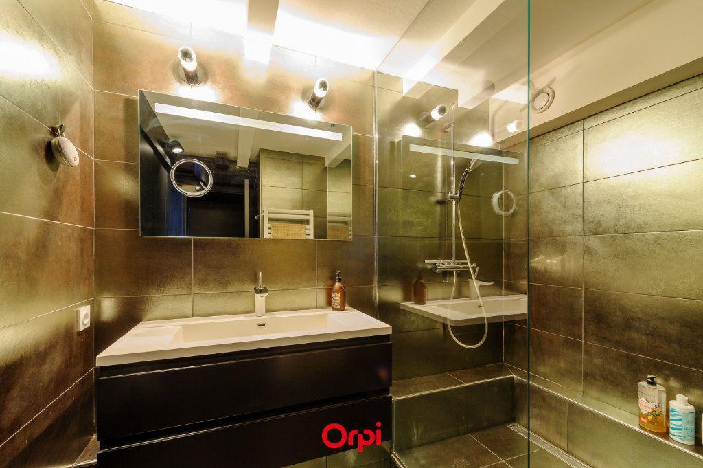 Appartement à vendre 4 133.39m2 à La Rochelle vignette-5