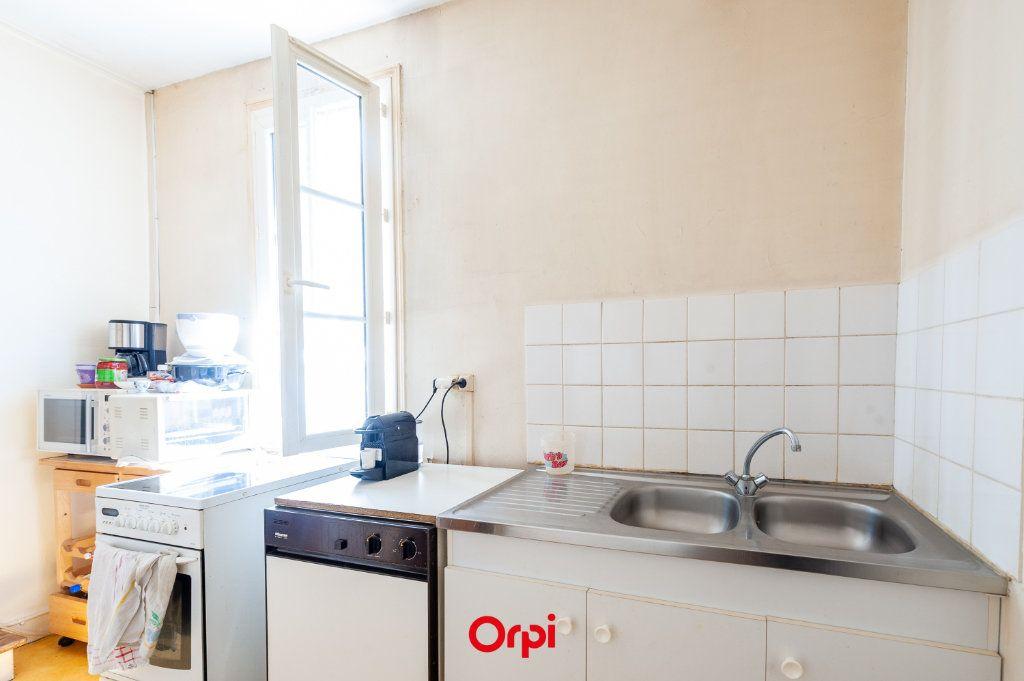 Appartement à vendre 3 53m2 à La Rochelle vignette-3
