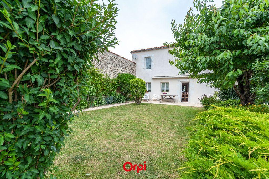 Maison à vendre 12 345m2 à Saint-Vivien vignette-2