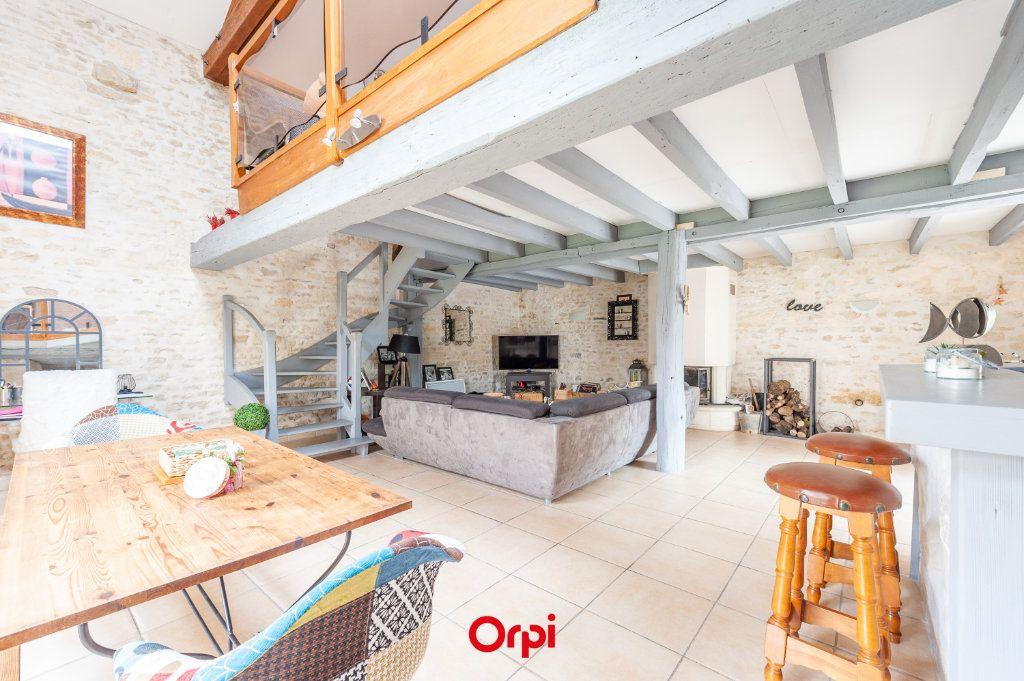 Maison à vendre 12 345m2 à Saint-Vivien vignette-6