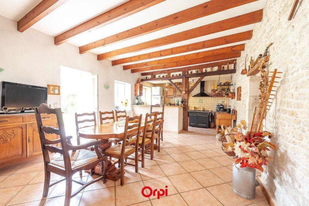 Maison à vendre 12 345m2 à Saint-Vivien vignette-11