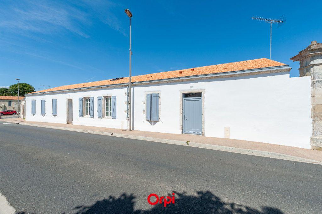 Maison à vendre 7 169m2 à Saint-Rogatien vignette-1