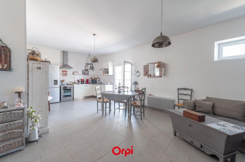 Maison à vendre 7 169m2 à Saint-Rogatien vignette-4