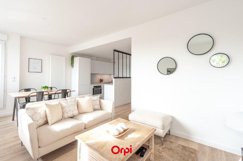 Appartement à vendre 2 58.35m2 à La Rochelle vignette-1