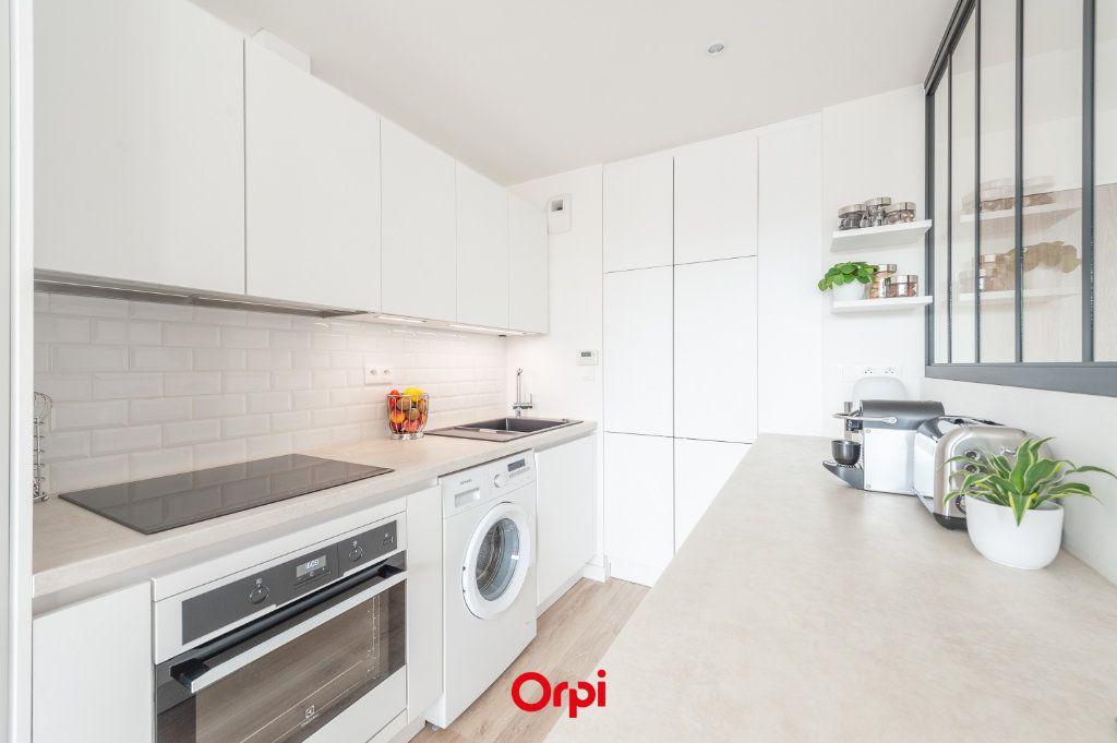 Appartement à vendre 2 58.35m2 à La Rochelle vignette-2