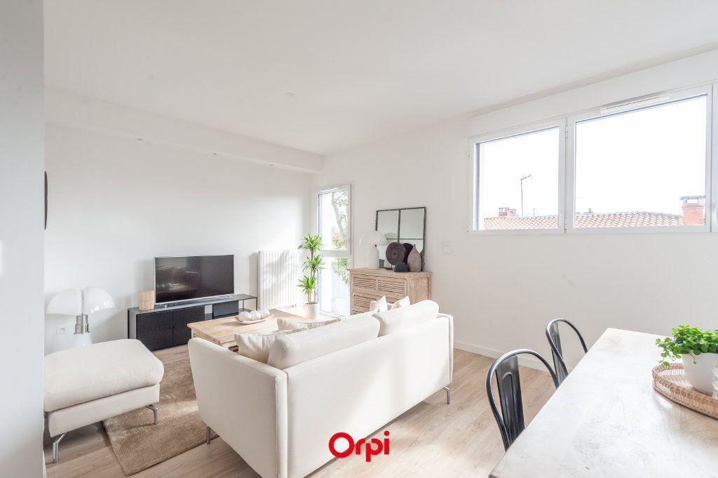 Appartement à vendre 2 58.35m2 à La Rochelle vignette-4