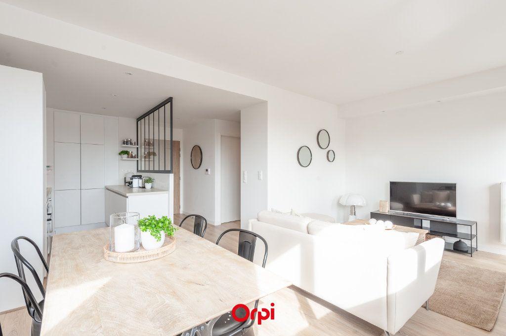 Appartement à vendre 2 58.35m2 à La Rochelle vignette-5