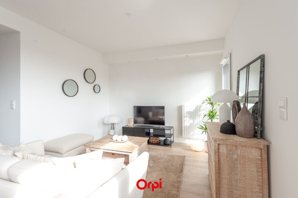 Appartement à vendre 2 58.35m2 à La Rochelle vignette-6