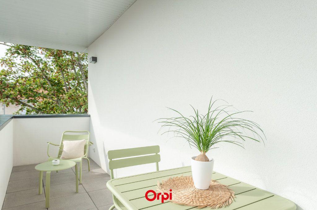 Appartement à vendre 2 58.35m2 à La Rochelle vignette-8
