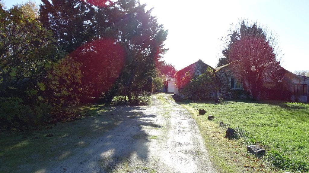 Maison à vendre 10 280m2 à Saint-Vivien vignette-2