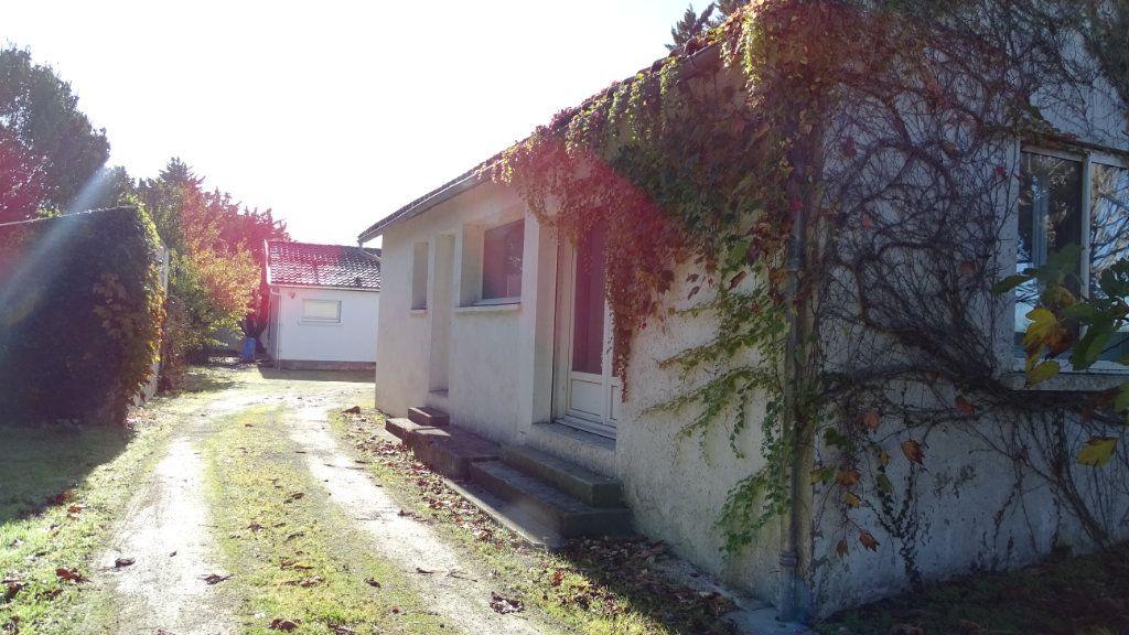 Maison à vendre 10 280m2 à Saint-Vivien vignette-3