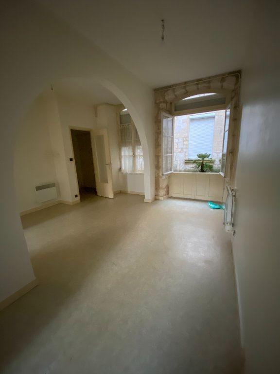 Appartement à louer 2 37m2 à La Rochelle vignette-1
