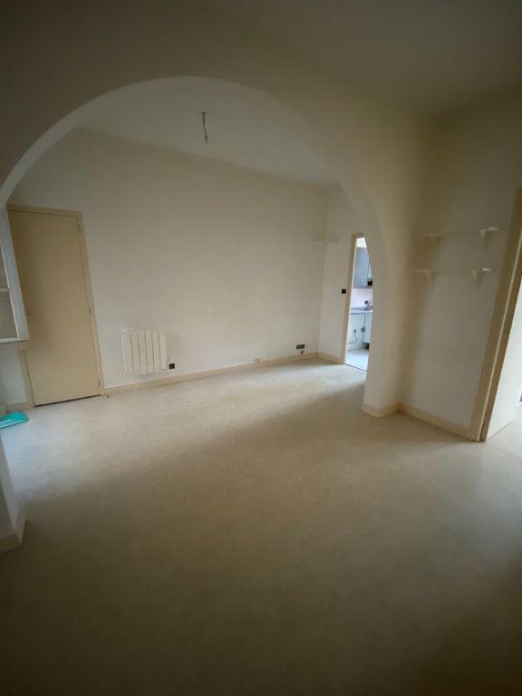 Appartement à louer 2 37m2 à La Rochelle vignette-2