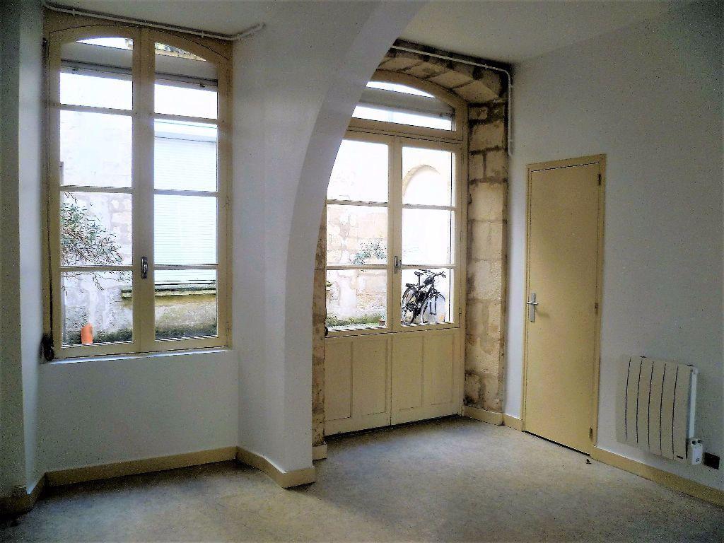 Appartement à louer 2 37m2 à La Rochelle vignette-3