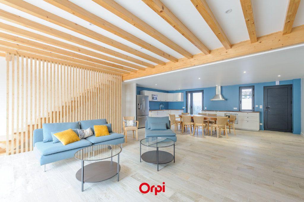 Maison à vendre 6 205.7m2 à L'Houmeau vignette-1