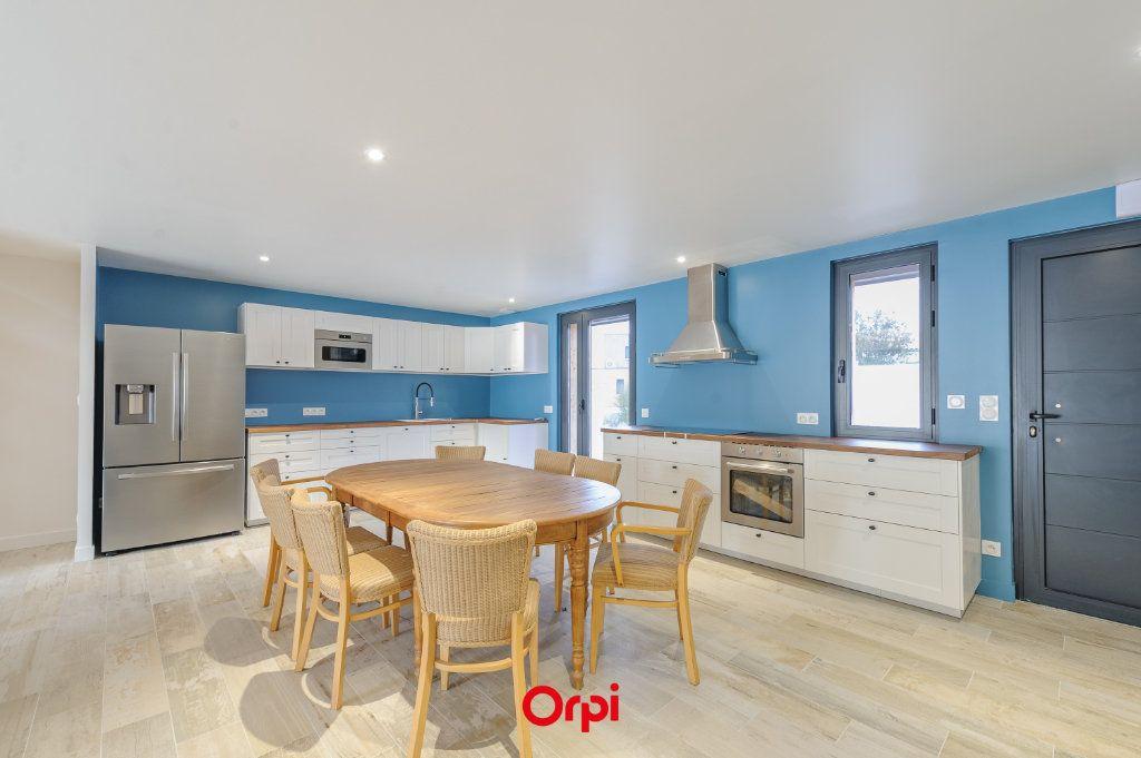 Maison à vendre 6 205.7m2 à L'Houmeau vignette-2
